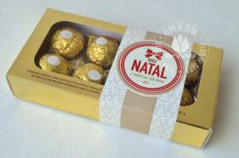 Lembrança de Natal - Caixa com 8 bombons Ferrero Rocher e cinta personalizada
