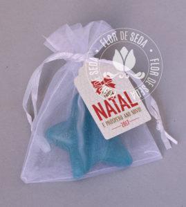 Lembrança de Natal sabonete Estrela Natalina no saquinho de organza e tag personalizado