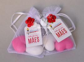 Lembrança dia das Mães - 2 Sabonetes de coração no saquinho de organza com tag personalizada com tag personalizada com logotipo do cliente