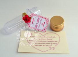 Lembrança dia das Mães Mini tubete com mensagem, rosa e tag personalizada com tampa metálica