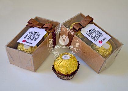Lembrança dia dos Pais - Caixa kraft com 2 bombons Ferrero Rocher e tag personalizada