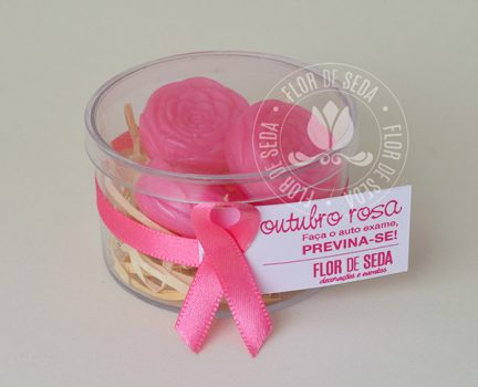 Lembrança Outubro Rosa-Caixa Acrílica com 3 mini sabonetes de flor e tag personalizada