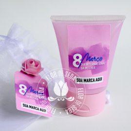 Lembrança dia Internacional da Mulher-Álcool gel bisnaga personalizada no saquinho de organza com tag personalizada