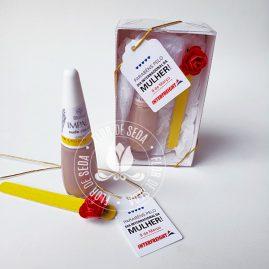 Lembrança dia Internacional da Mulher-Kit Caixa com esmalte e minilixa na caixa e tag personalizada com logotipo do cliente