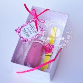 Lembrança dia Internacional da Mulher-Kit Caixa com esmalte e minilixa no saquinho de organza com tag personalizada com logotipo do cliente