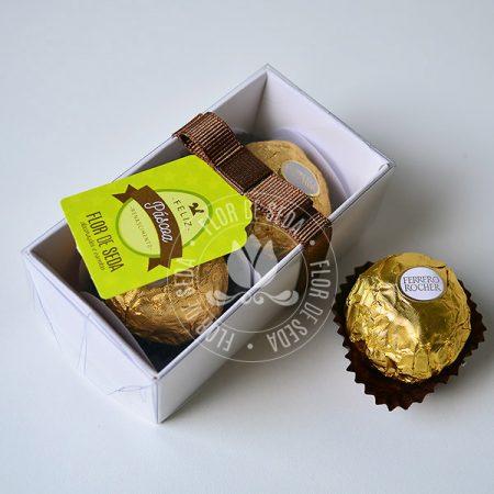Lembranças para Páscoa-Caixa com 2 bombons Ferrero Rocher com tag personalizada